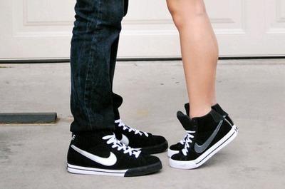 お揃いのくつでもっとラブラブなカップルに!おすすめの靴4選のサムネイル画像