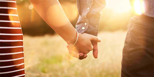 男心を鷲づかみ!心理学に学ぶ日常で使える7つの恋愛テクニックのサムネイル画像