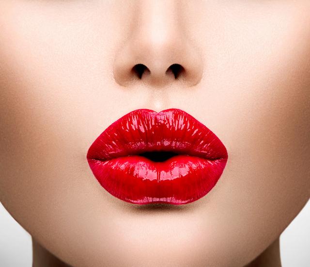 【タイミングが大切!】どんな雰囲気から彼とキスをしましたか?のサムネイル画像