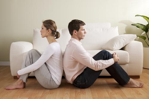 結婚生活に疲れた…。そのまま終わっていいの?理由と改善点!のサムネイル画像