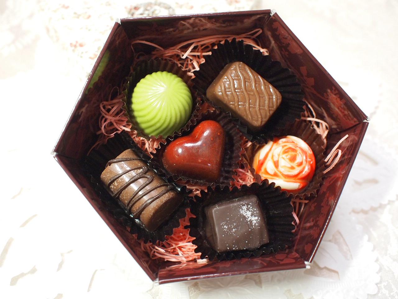 憧れのブランドバレンタインチョコレート&おすすめチョコレシピのサムネイル画像