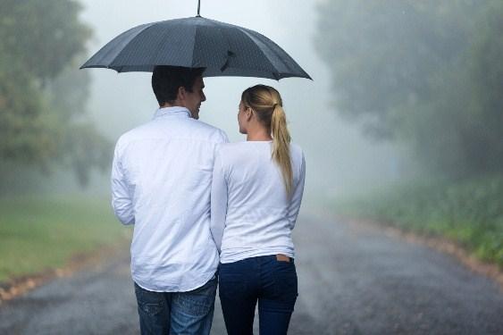 梅雨の季節でも大丈夫!雨を気にせず遊べるデートスポットまとめのサムネイル画像