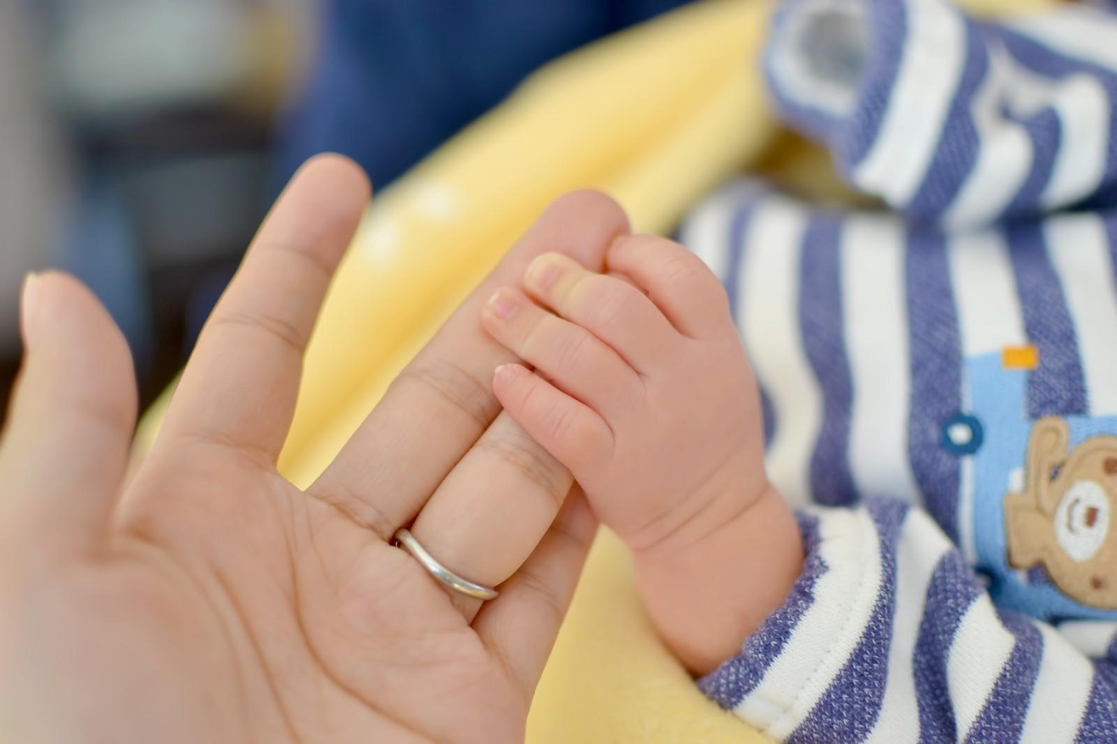 初めての赤ちゃんのお世話。新生児の育児ってどうやればいいの?のサムネイル画像