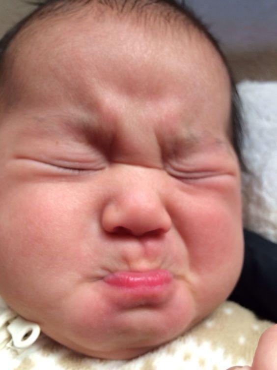 かわいい赤ちゃんの激しい動画大特集♪抱腹絶倒、注意です!のサムネイル画像