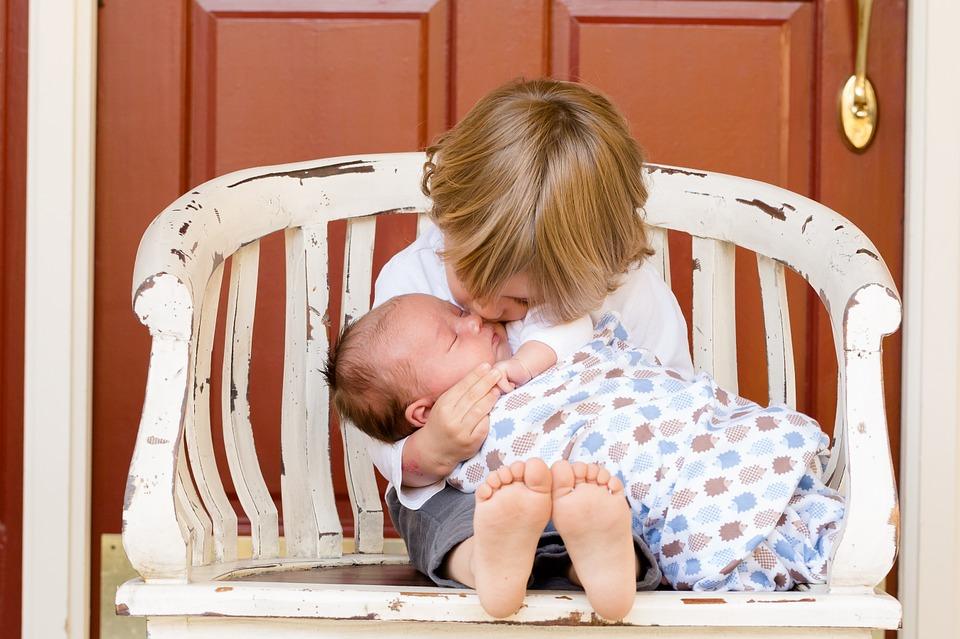 赤ちゃんの名前どうやって決めればいいの?名づけ方法と人気の名前のサムネイル画像