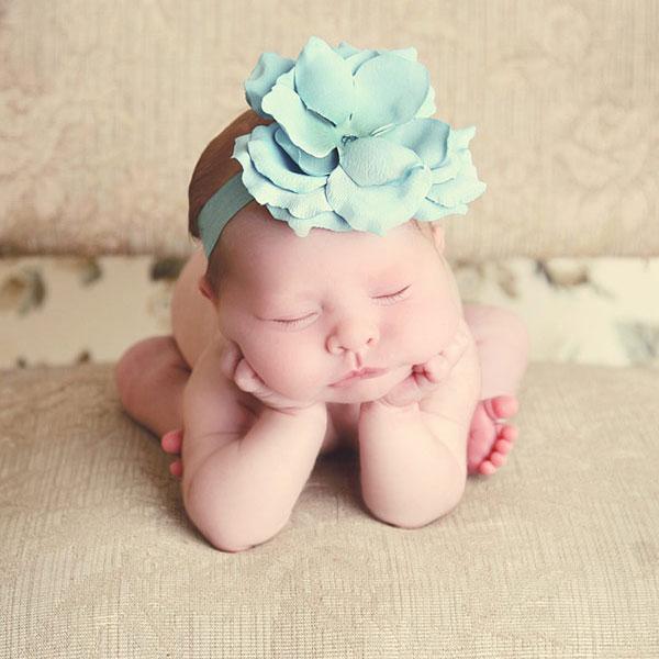 【パパ・ママ必見!】新生児の授乳量と授乳間隔はどれくらい?のサムネイル画像