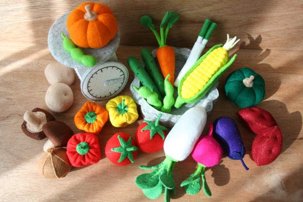おすすめ!安全で衛生的なフェルトのおもちゃを手作りしよう!のサムネイル画像