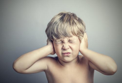 心の病気?子供がなるチック症とはどんな病気?チック症は親が原因?のサムネイル画像