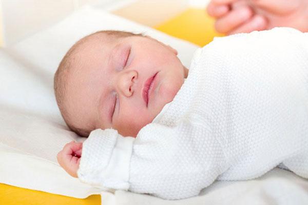 快適な睡眠をサポートする赤ちゃんのマットレスを紹介します!のサムネイル画像