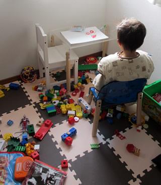 ごちゃごちゃストレスからあなたを解放☆おもちゃの片付けさせ方のサムネイル画像