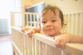 赤ちゃんを柵で守ろう☆危険から守ってくれるベビーゲート特集☆のサムネイル画像