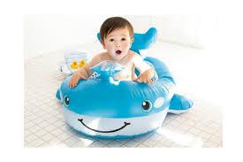 赤ちゃんのプールデビューはいつさせる?注意しておきたい点は?のサムネイル画像