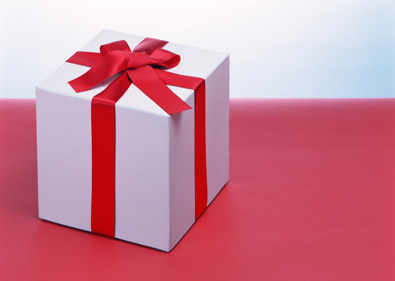 大切な一年記念日!彼氏も喜ぶ、思い出に残るプレゼントまとめ!のサムネイル画像