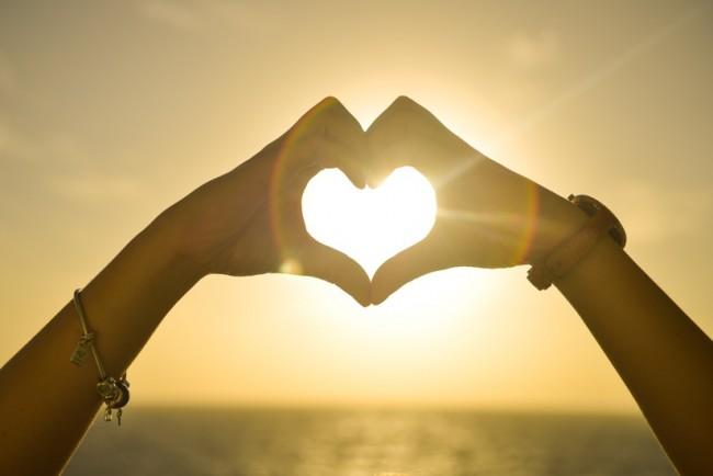 心理学にみる恋愛を成功させる秘訣とは?その鍵は【スキンシップ】のサムネイル画像