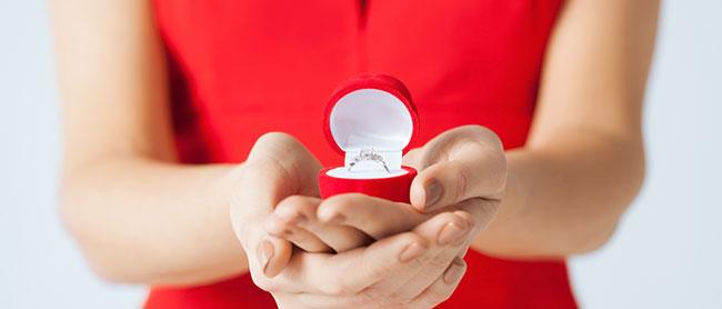 もう待てない!ぶっちゃけ、女からプロポーズってあり?なし?のサムネイル画像
