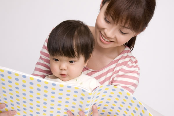 見逃さないで!子供が親に示す愛情不足のサインと、その理由のサムネイル画像