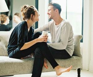 男が会いたくなるメカニズムと、好きな人に「会いたい」と伝える方法のサムネイル画像