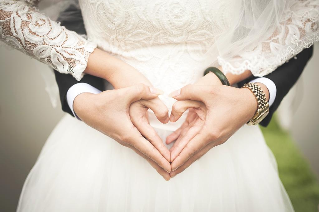 年齢別にみる女性の結婚年齢のメリット、デメリットのまとめのサムネイル画像