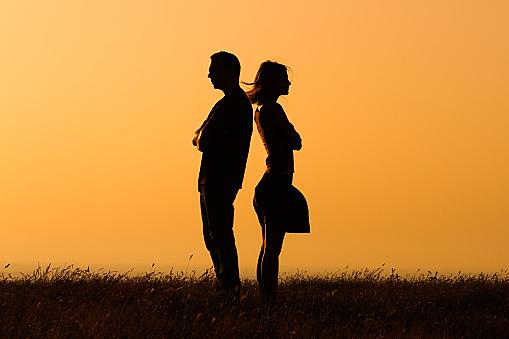 男性が別れを決意する原因を知って長続きの秘訣を学びましょう。のサムネイル画像