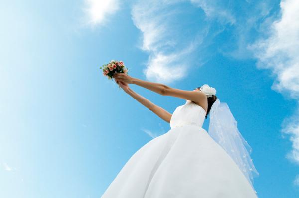 結婚祝いの平均予算から絶対に喜ばれる贈り物をご紹介します!のサムネイル画像