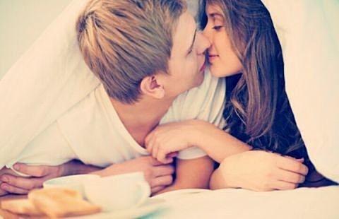 【仲良しカップル大調査】仲良しカップルの特徴、いくつ当てはまる?のサムネイル画像