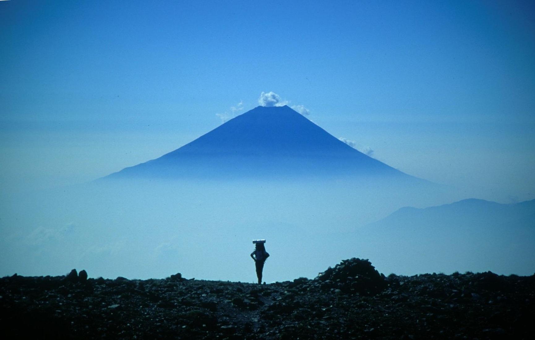 山ガールおすすめ!登山を楽しむためのズボンと選び方を紹介!のサムネイル画像