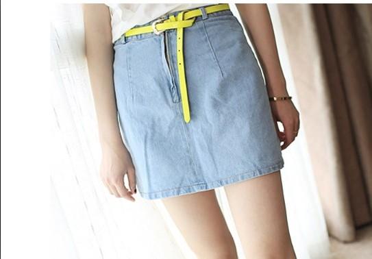 スカートをベルトでウエストマーク!こなれ感のある着こなしに!のサムネイル画像