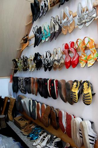 靴用であってもなくても便利!100均グッズを利用した靴収納法のサムネイル画像