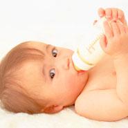 赤ちゃんが哺乳瓶を嫌がる時はどうしたらいいの?原因と対処法は?のサムネイル画像