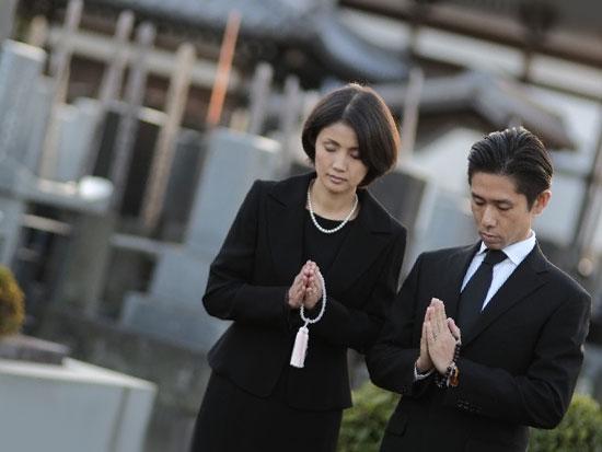 冠婚葬祭毎のスーツとシーンごとのおすすめスーツをご紹介します!のサムネイル画像