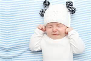 ピンチ!!どうしよう?赤ちゃんが哺乳瓶で飲んでくれない?!のサムネイル画像