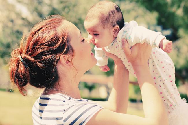 ママさん必見♡ママ友ランチでも使える!おしゃれな授乳服のまとめのサムネイル画像