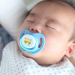 新生児のおしゃぶりに関する色々!おすすめ商品情報もあり!のサムネイル画像