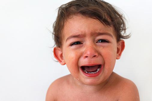 生後6ヶ月から始まると言われる夜泣き…夜泣きの原因と対処法とは?のサムネイル画像