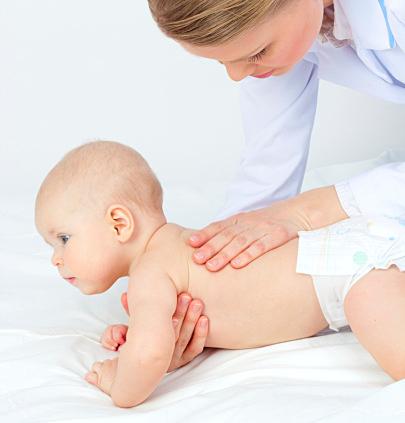 可愛い赤ちゃんには可愛い服を!乳児向け【種類別】お洋服まとめのサムネイル画像