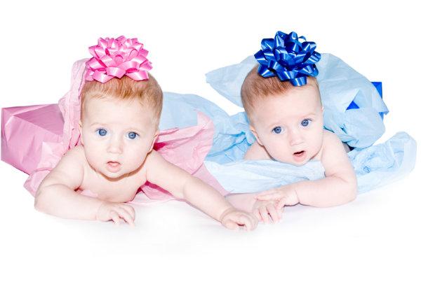 華やかさより実用性?!双子のママが切望する出産祝いベスト3☆のサムネイル画像