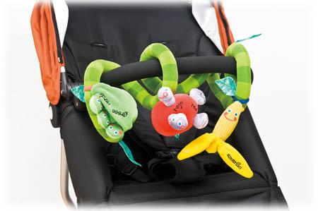 お出かけを楽しく快適に!ベビーカーのおすすめおもちゃ集めました!のサムネイル画像