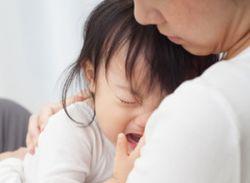 助けて!二歳の夜泣きに泣かされる!夜泣きっていつまで続くの?のサムネイル画像