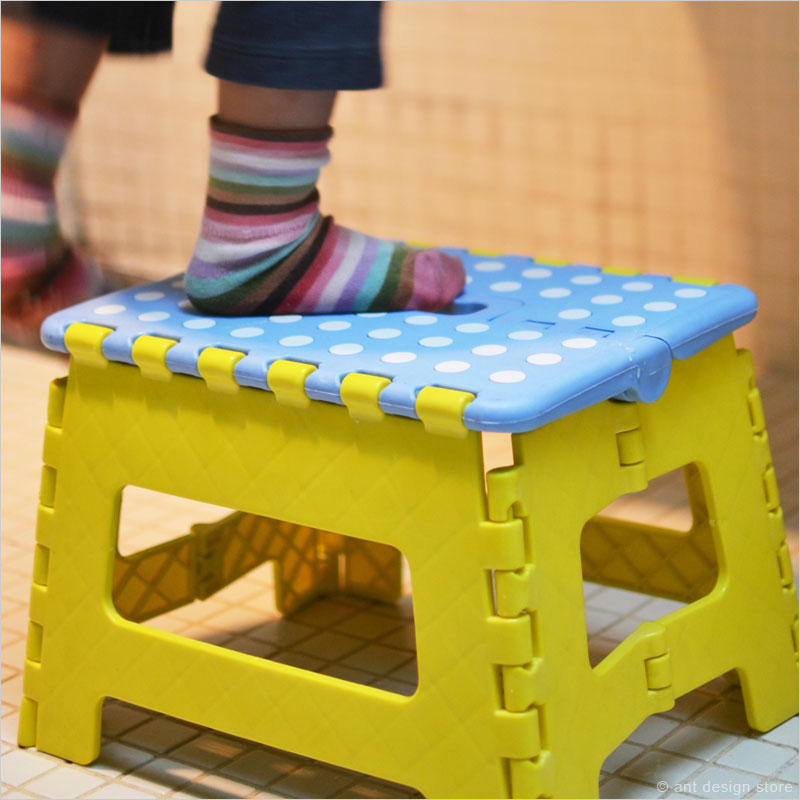 子供に踏み台を与えてママも楽しよう!どんな種類が使いやすい?のサムネイル画像
