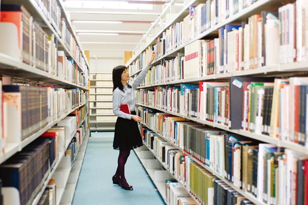図書館の本が予約できるって知ってますか図書館で過ごす時間は素敵!のサムネイル画像