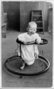 歩行器は7か月から♡赤ちゃんにおすすめな歩行器を教えちゃおう♪のサムネイル画像