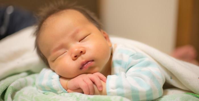 早く会話したいな・・・♡喃語をしゃべる赤ちゃんの成長についてのサムネイル画像