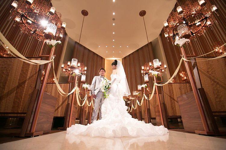 【知らなきゃ損する!!】結婚式の見積もり&値引き交渉のコツまとめのサムネイル画像