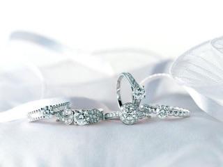 女性の憧れ♪ステキすぎるハイブランドのダイヤの婚約指輪♪のサムネイル画像