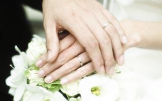 いくらくらいで考えれば良い?参考にしたい結婚指輪の平均予算!のサムネイル画像
